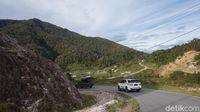 Toyota Tak Bisa Larang Fortuner Jadi Angkot Papua