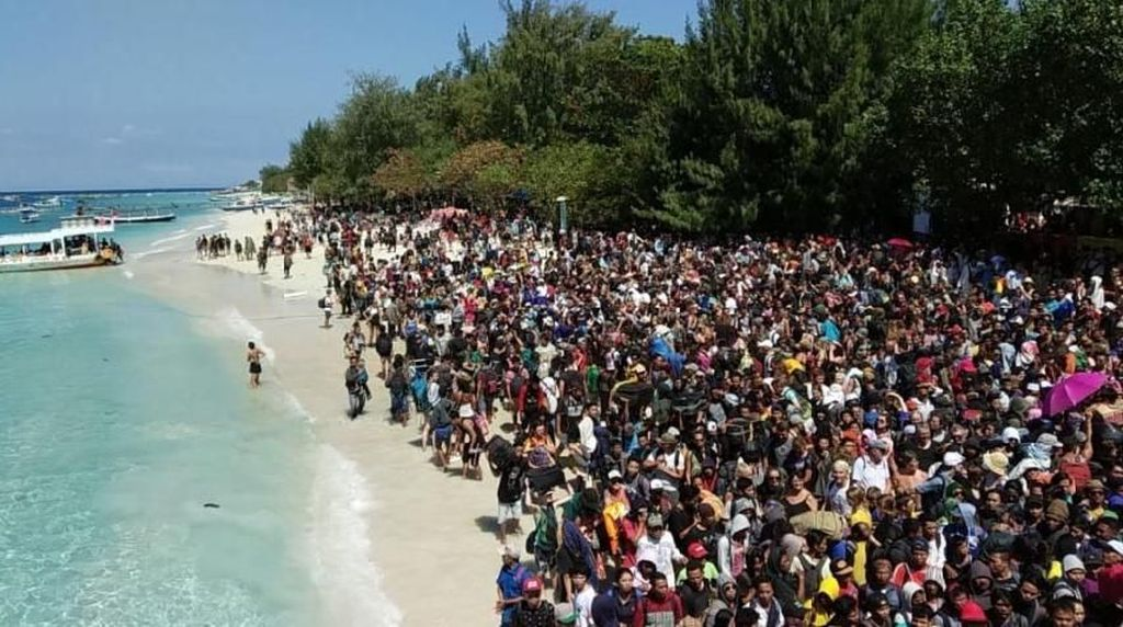 Fakta-fakta soal Turis Lombok yang Eksodus Usai Gempa