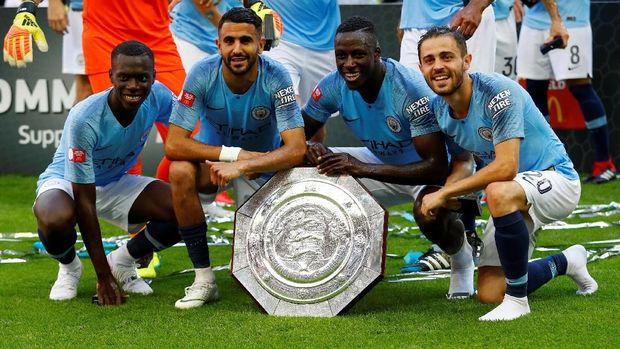 Manchester City mengawali musim baru dengan juara Community Shield.