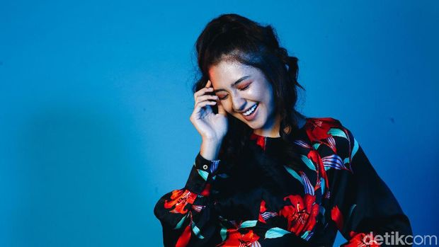 Mikha Tambayong saat pemotretan Celeb of The Month detikHOT