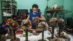Potret Perajin Blangkon dari Yogyakarta