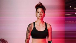 Amber Liu atau yang dikenal dengan Amber f(x) menjadi satu-satunya member girlband Korea yang berpenampilan tomboy. Meski begitu, ia ternyata punya body goals.