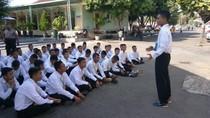 Kisah Anak Penjual Krupuk Jadi Bintara Polri