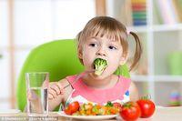 Ikuti Trik Ini Agar Anak Mau Makan Sayur