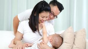 Pentingnya Dukungan Suami Saat Istri Menyusui