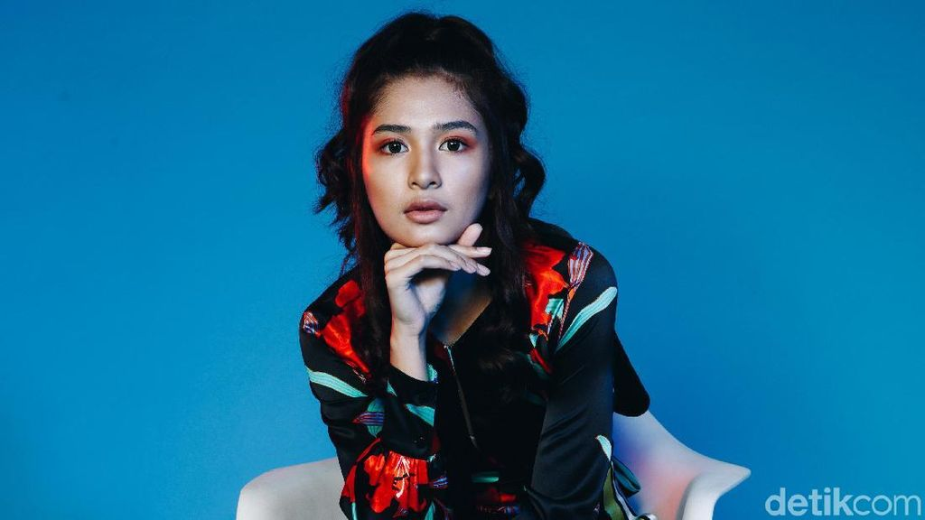 Dari Wanita Karier, Ibunda Rela Berhenti Kerja demi Mikha Tambayong
