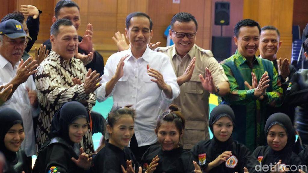 Bareng Edhy Prabowo, Jokowi Cek Persiapan Atlet Silat Asian Games