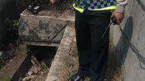 Mayat Pria Membusuk di Tol Halim Diduga Tewas Sejak 5 Hari Lalu