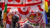 Pernak-pernik HUT RI Ramaikan Pasar Pagi Jakarta