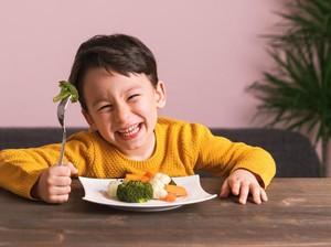 4 Cara agar Anak Suka Makan Sayur