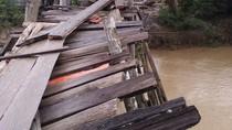 Cerita Riau: Bangun Gedung Rp 250 M, Jembatan Lapuk Dibiarkan