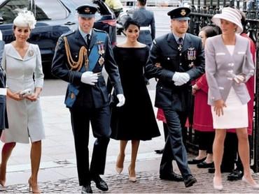 Karya lainnya, Putri Diana seolah-olah berjalan bersama kedua putra dan menantunya. (Foto: Instagram @dianaprincesadegales)