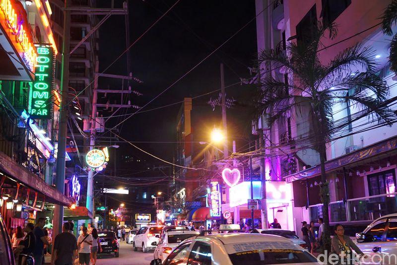 Kawasan ini berada di Makati, kota yang berada di kawasan Metro Manila, Filipina. (Syanti/detikTravel)