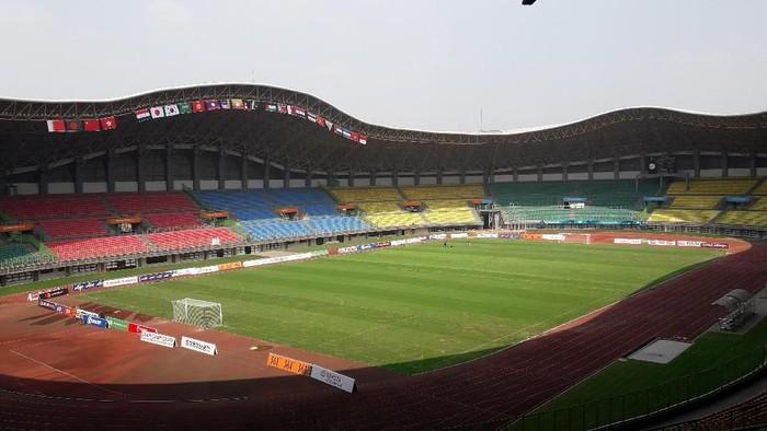 Persiapan Stadion Patriot Candrabaga sambut Asian Games