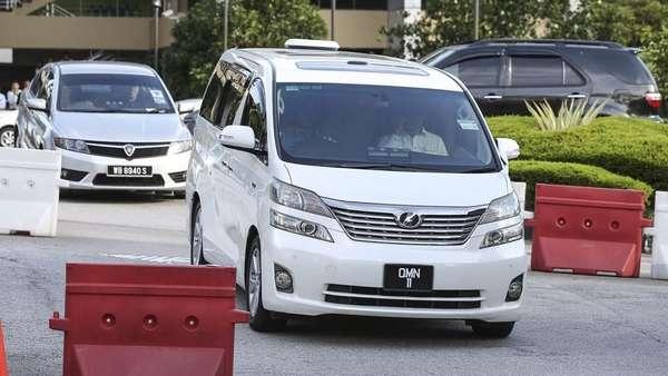 Batal Ditahan, Najib Akan Kembali Disidang Besok
