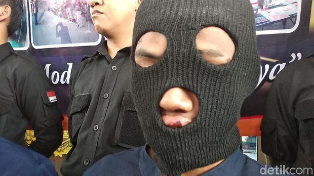 R, salah satu pelaku pembunuhan Alex sopir taksi online.