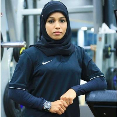 Majizia Bhanu, atlet angkat beban berhijab. Foto: Facebook Majizia