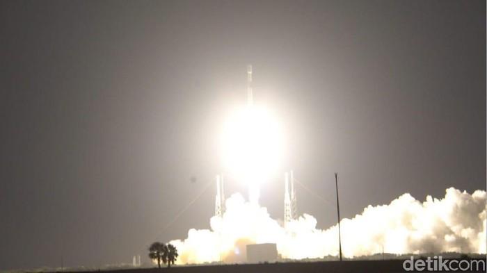 Satelit Merah Putih meluncur. (Foto: detiKINET/Iswahyudi)