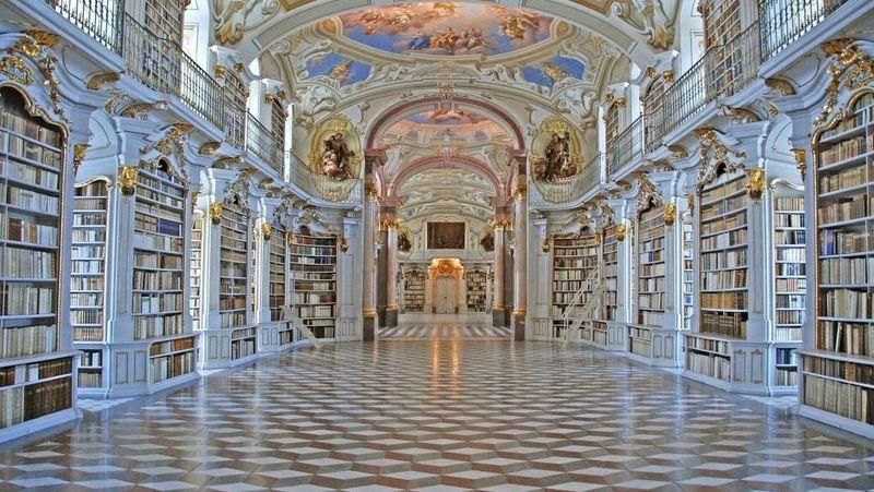 Foto: Admont Abbey Library berada di Admont, Australia. Perpustakaan biara terbesar di dunia ini dibangun pada tahun 1776 dan sangat terkenal dengan arsitektur, seni dan manuskrip nya. (stiftadmont.at)