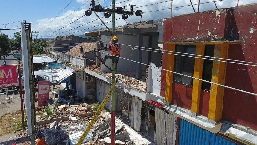 Gempa Usai, Jaringan Listrik di Lombok Mulai Diperbaiki