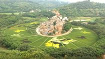 Wajib Lihat! Sawah di Cina Ini Nyeni Banget