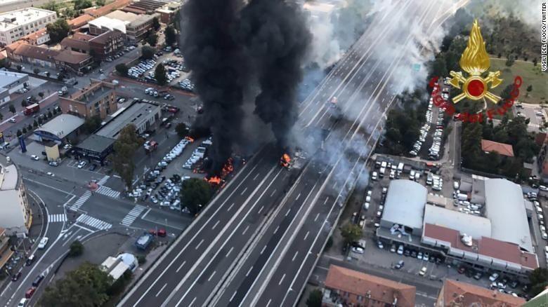 Truk Tanker Meledak di Bologna Italia, 3 Tewas