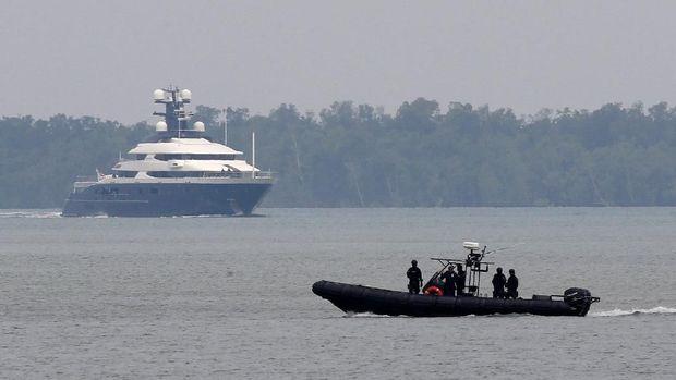 Di Balik Komersialisasi Keselamatan Pelayaran