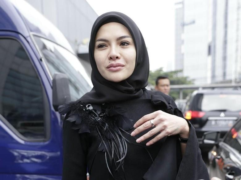 Nikita Mirzani Sudah Laporkan Balik Dipo Latief dengan Pasal Perzinaan