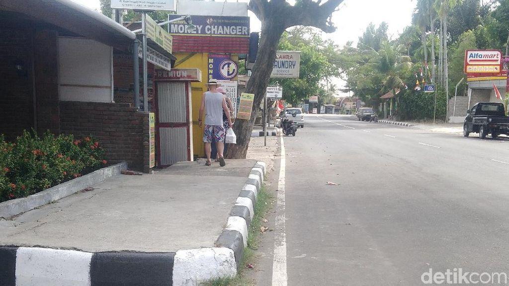 Kawasan Wisata Senggigi Lengang Pasca Gempa Lombok 7 SR