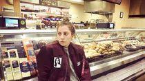 Wah, Lady Gaga hingga Barack Obama Ternyata Pernah Kerja di Restoran!