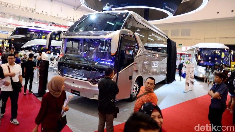 Ilustrasi pameran bus (Foto: Ari Saputra)