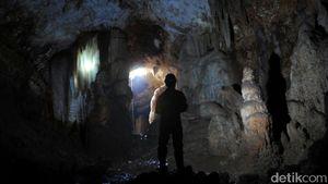 Pemkab Tuban Setop Penambangan Batu di Areal Penemuan Gua