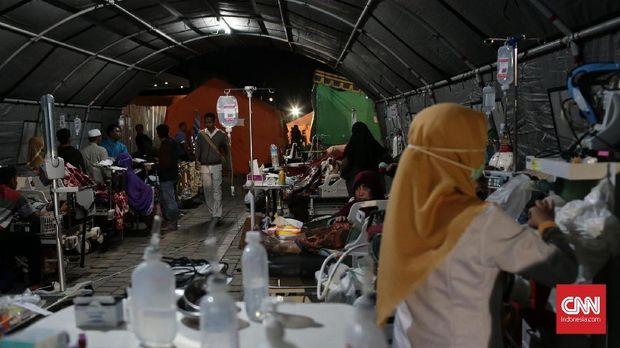 Warga Mataram Buru Mi Instans Usai Diguncang Gempa Lombok