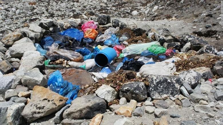 Sampah di Gunung Everest (CNN)
