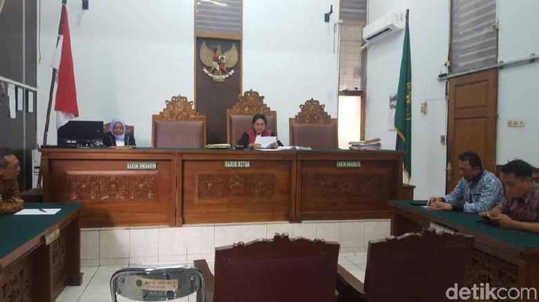 Hakim Tolak Praperadilan Kasus Video Luna Maya-Cut Tari