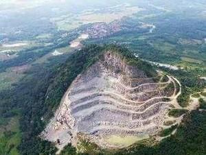 Bupati Karawang Tutup Tambang Batu di Gunung Sirnalanggeng