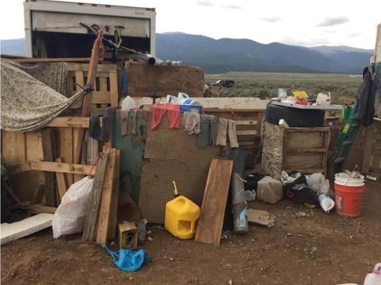 Mengenaskan! 11 Anak Kelaparan di AS Tinggal di Kamp Jorok