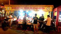 Murah Meriah! Makan Malam Asyik di 5 Seafood Tenda Ini