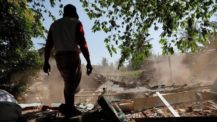 Ada secuplik kisah menyentuh dari gempa di Lombok. Foto: Ilustrasi/REUTERS/Beawiharta
