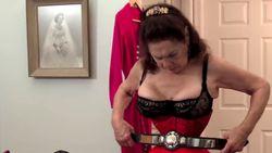 Wow! Ini Cathie Jung, Perempuan dengan Pinggang Terkecil di Dunia