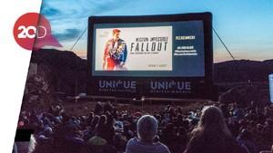 Gokil! Nobar Mission: Impossible Fallout di Atas Tebing