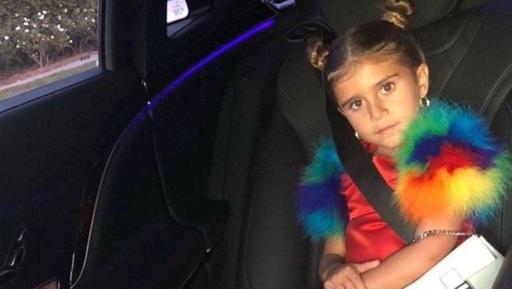 Fancy! Baru 6 Tahun, Putri Kourtney Kardashian Bawa Tas Seharga Motor