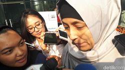 Adik Inneke Koesherawati Bungkam Usai Diperiksa KPK
