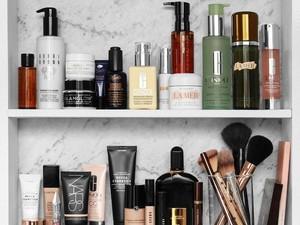 Tren Beli Botol Parfum Kosong Brand High-End demi Foto Mewah di Instagram