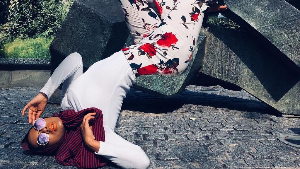 Foto: Bertubuh Lentur, Pose Hijabers Ini Bikin Ngilu