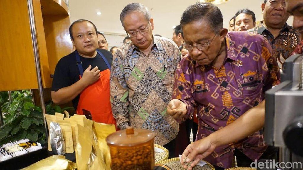 Darmin Tak Ingin Indonesia Impor Kopi