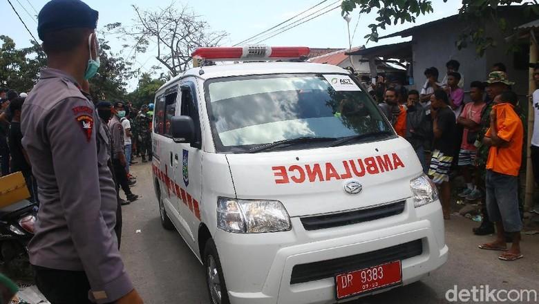 Tim Penyelamat Masih Cari Korban di Reruntuhan Masjid Lombok Utara