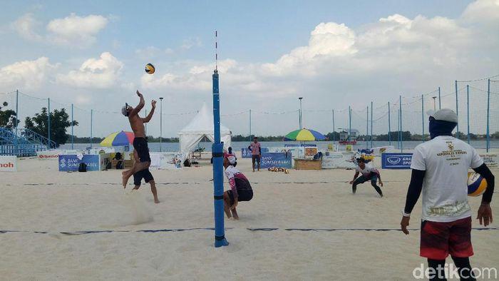 Timnas voli pantai putra berlatih di Jakabaring Sport City, Palembang. (Raja Adil/detikSport)