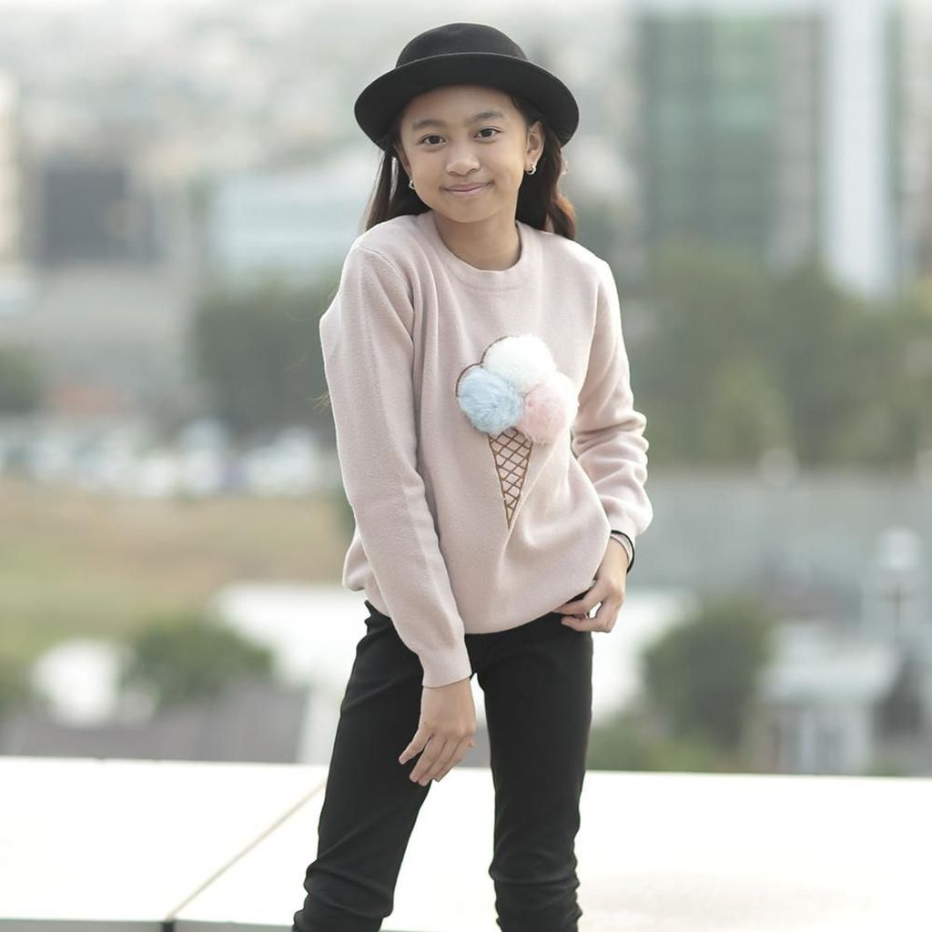 Arti Fans Bagi Penyanyi Cilik Zara Leola