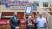 Wouw! 'Cheese Board' Terbesar di Dunia Ini Berisi 2,2 Ton Keju